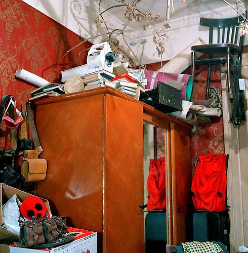OLGA CHAGAOUTDINOVA | CORNER OF A ROOM IN ST. PETERSBURG | C-PRINT | 61 x 61 CENTIMETERS | 2004