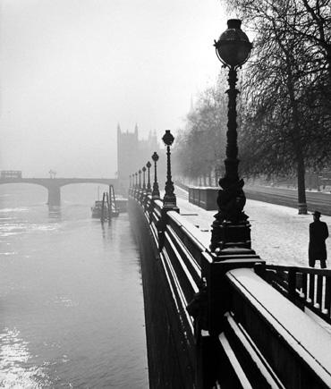 Embankment, London [bridge] 1947 gelatin silver print
