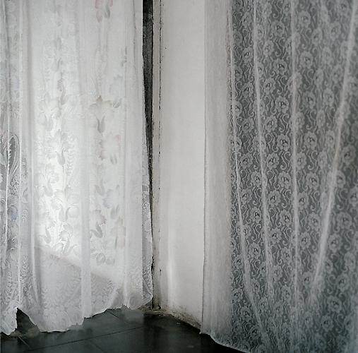 OLGA CHAGAOUTDINOVA | CURTAINS | C-PRINT | 61 x 61 CENTIMETERS | 2007