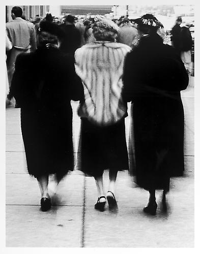 Three ladies, rear view mid 1950s Gelatin Silver Print