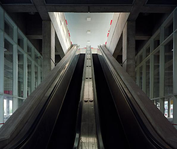 David S. Allee, Escalators to Astoria, New York, NY, ed. 12, 2003