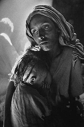 Ethiopia [Mother & Child] 1984 gelatin silver print
