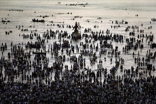 Ganesh Chaturthi festival, Chowpatty Beach, Mumbai, India 1994 C-type print on Fuji Crystal Archive paper