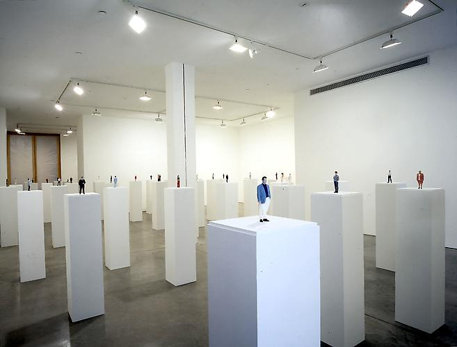 Karin Sander  Installation View: D'Amelio Terras, New York. April 1-May 13, 2000