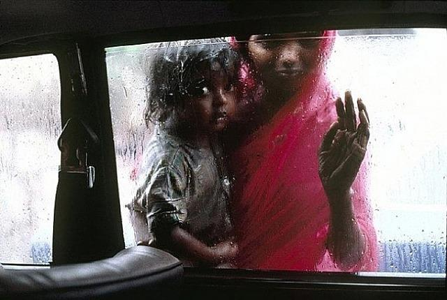 Steve McCurry Mother and Child Bombay, India 1993