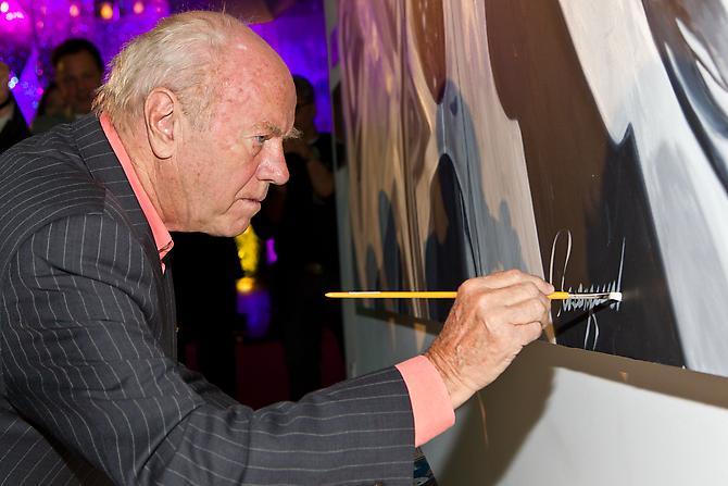 Artist James Rosenquist signs Cevello Spazio Cosmico