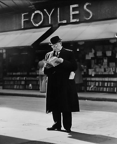 London, Charing Cross Road [Man reading] 1936 gelatin silver print