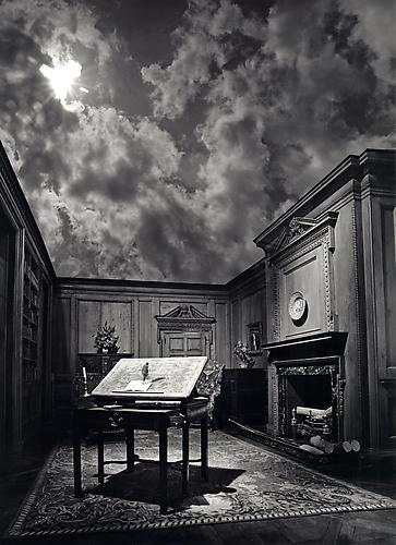 Philosopher&#039;s Desk