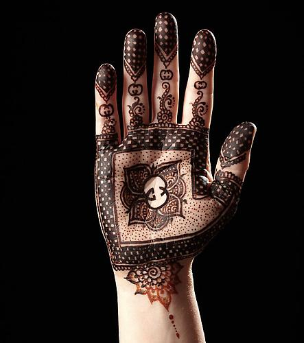 Gucci  -  Enquire  From the  Luxury Henna  Series (2011) Glossy C-Print 125 x 99 cm (Editions of 5)
