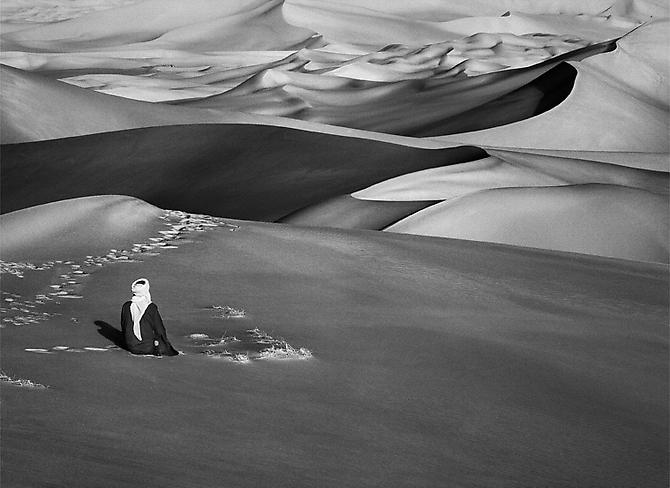 Sahara [man praying], Algeria 2009