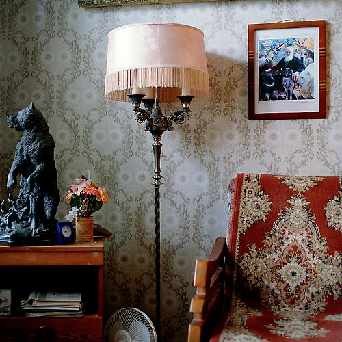 OLGA CHAGAOUTDINOVA | LAMP BEAR AND A CHAIR | C-PRINT | 61 x 61 CENTIMETERS | 2005