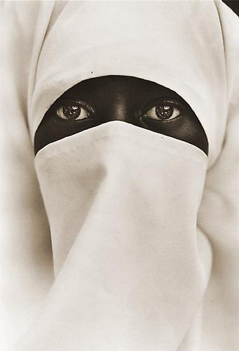 Muslim Woman, New York City 1990 printed 2007 platinum/palladium print