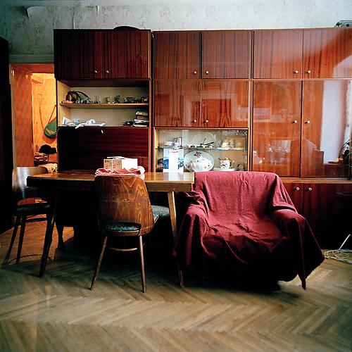 OLGA CHAGAOUTDINOVA | CHAIR IN MOSCOW APARTMENT | C-PRINT | 61 x 61 CENTIMETERS | 2005