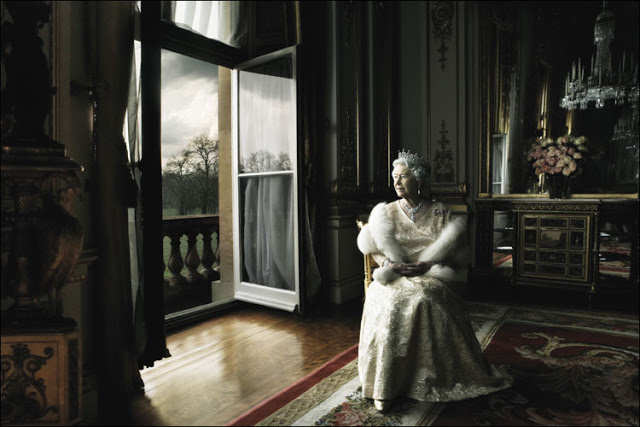 Queen Elizabeth II, Buckingham Palace, London 2007 Archival Pigment Print
