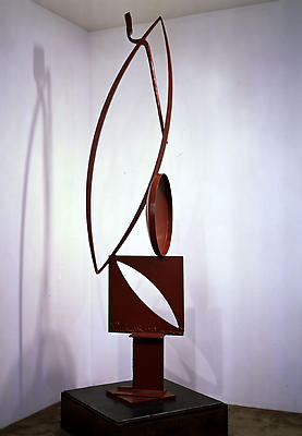 "David Smith, ""Voltri Bolton XIX,"" 1963 Painted steel, 94 1/4 inches high Image"