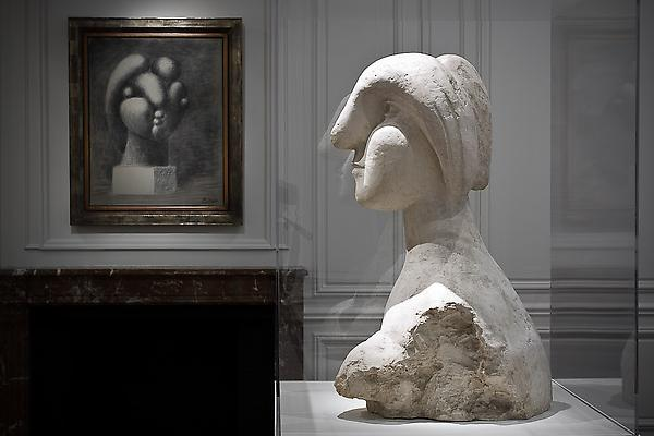 "From left to right: ""Sculpture of a Head: Marie-Thérèse,"" Fondation Beyeler, Riehen/Basel, ""Bust of a Woman,"" Collection of Mr. and Mrs. Herbert Klapper Image"