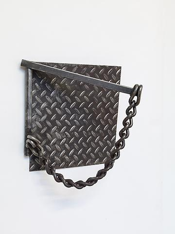 Chain and Diamond (1979) Welded steel 13h x 12w x 6d in (33.02h x 30.48w x 15.24d cm)