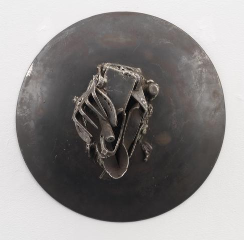 Diamnaidio (2004)<br>Welded steel<br>21h x 21w x 8.5d in (53.34h x 53.34w x 21.59d cm)