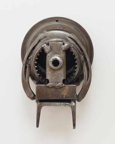 Ace (1963) Welded steel 8.5h x 5.5w x 5d in (21.6h x 14w x 12.7d cm)