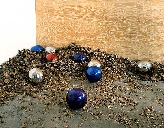What  2005 9 10-inch diameter gazing balls Edition of 3 Installation dimensions variable