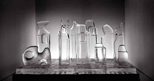 Somewhere (between freezing and meeting) there lies passion I, 2004 Ice sculpture 78 3/4 x 157 1/2 x 70 3/4 inches