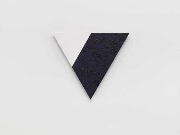 Angle (white and blue), 2001 Oil & cold wax medium on linen over wood 21 1/4 inches each side SGI2254