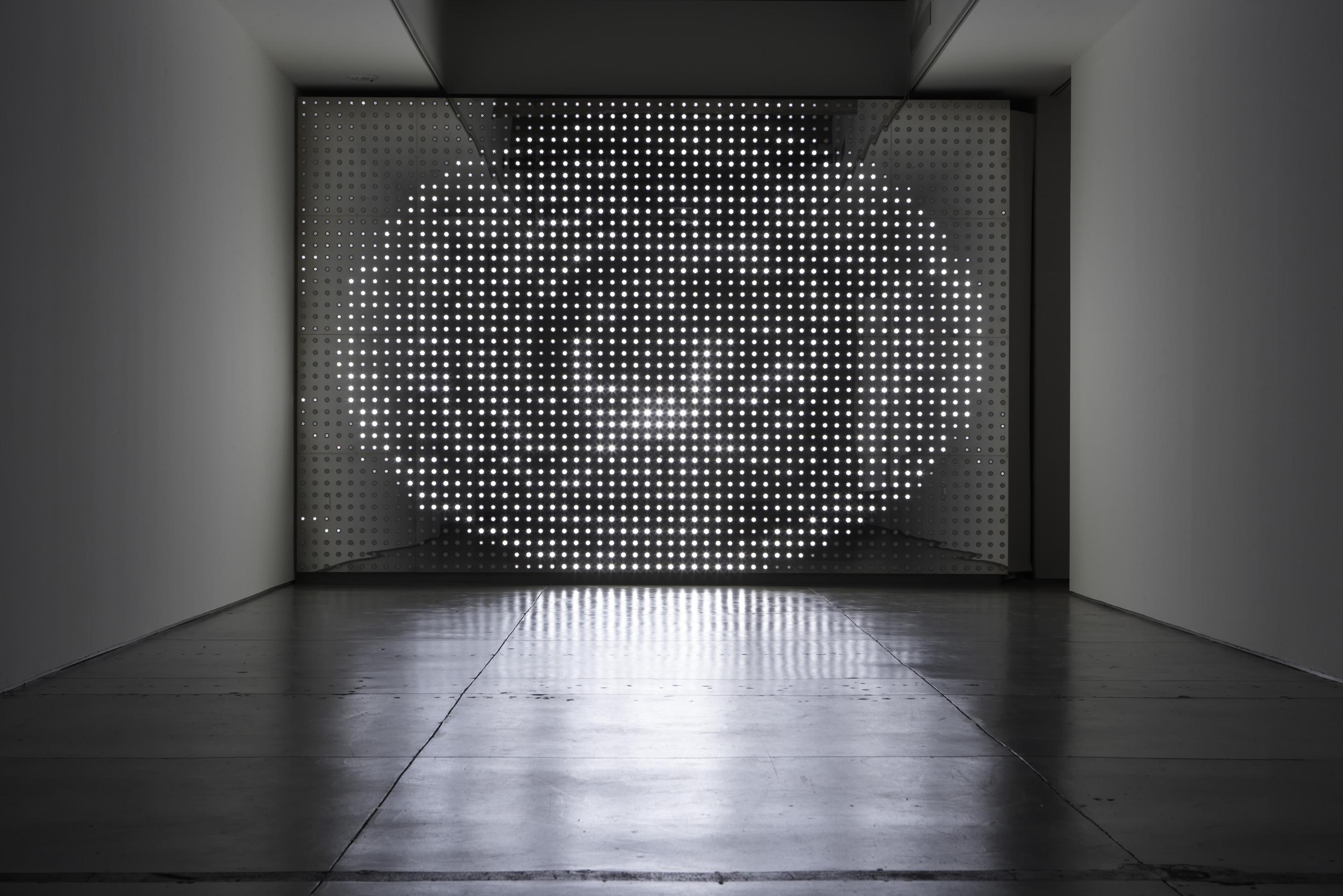 LEO VILLAREAL Diamond Sea, 2007, LEDs, mirror finished stainless steel, custom software, electrical hardware, 120 x 180 inches, SGI1973.