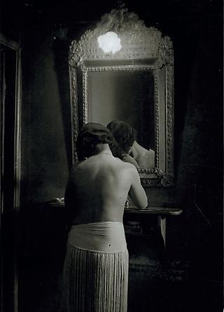 Toilette, Chez Suzy, c. 1932