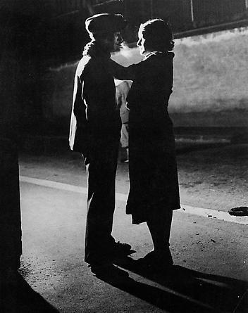 Couple Amoureux, Rue Croulebarbe, Quartier Italie, c. 1931