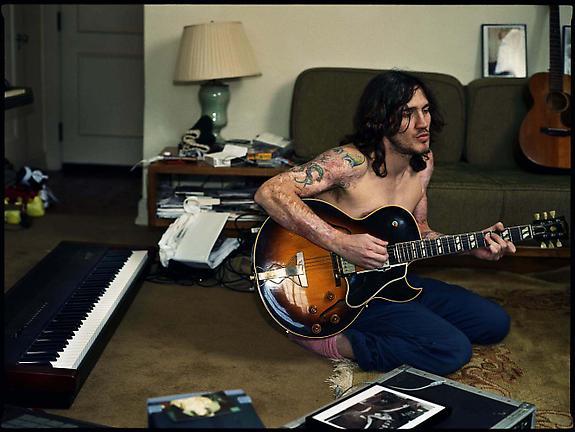 John Frusciante, Chateau Marmont, Los Angeles, 2002