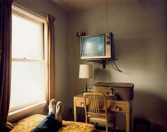 Stephen Shore  Room 125, West Bank Motel, Idaho Falls, Idaho, July 18, 1973