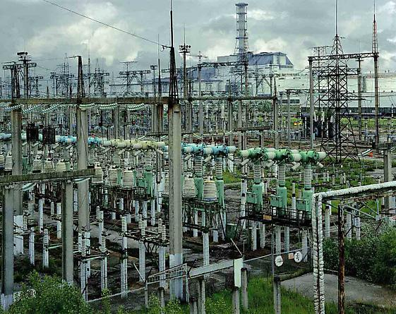 High voltage power lines and transformers, 2001