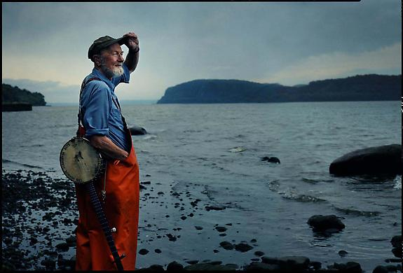 Peter Seeger, Clearwater Revival, Croton-on-Hudson, New York, 2001
