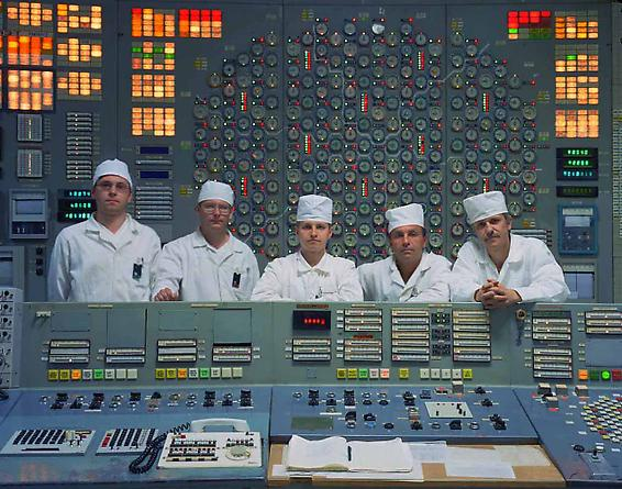 Engineering team in the control room, Reactor 3, 2001