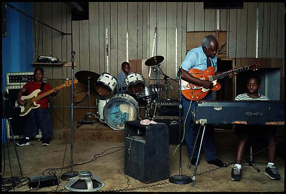 Johnnie Billington, Lambert, Mississippi, 2001
