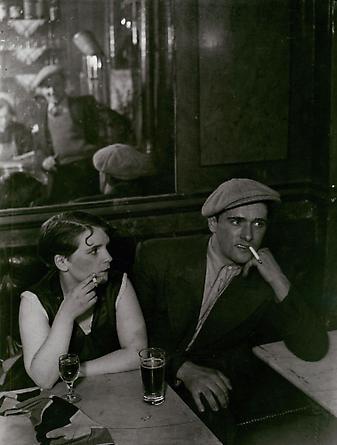 Couple Dans un Bistrot, Rue Saint Denis, c. 1932