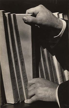 Andre Kertesz, Biblioteque, Paris, 1928