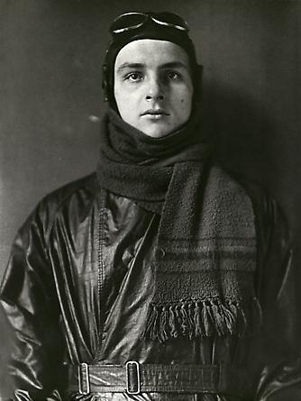 August Sander Aviator, 1920 © SK-Stiftung Kultur – August Sander Archiv VG-Bild Kunst, Bonn