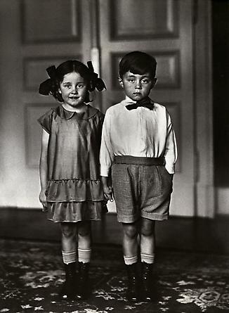 August Sander Middle-Class Children, 1925 © SK-Stiftung Kultur - August Sander Archiv VG-Bild Kunst, Bonn