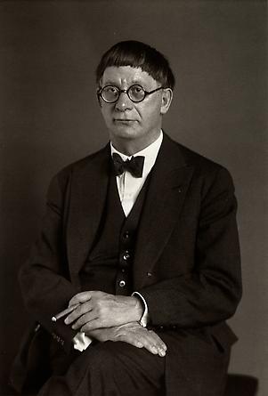 August Sander The Architect [Hans Poelzig], 1929 © Die Photographische Sammlung/SK Stiftung Kultur, August Sander Archiv, Köln; ARS, NY