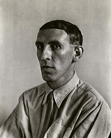 August Sander Painter [Heinrich Hoerle], 1928 © SK-Stiftung Kultur - August Sander Archiv VG-Bild Kunst, Bonn