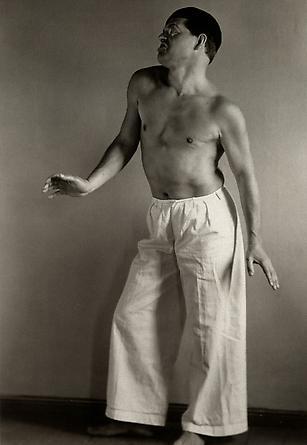 August Sander  Raoul Hausmann as Dancer, 1929 © SK-Stiftung Kultur – August Sander Archiv VG-Bild Kunst, Bonn