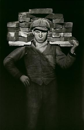 August Sander Bricklayer, 1928