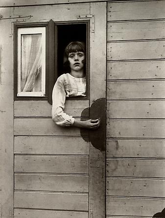 August Sander_Girl in Fairground Caravan, 1926-32