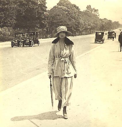 Avenue du Bois, 1917 [#27]