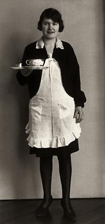 August Sander Café Waitress, 1928-29 © SK-Stiftung Kultur – August Sander Archiv VG-Bild Kunst, Bonn