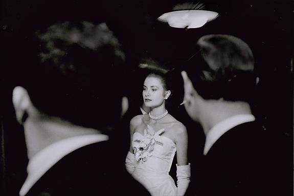 Elliott Erwitt Grace Kelly, New York, 1955