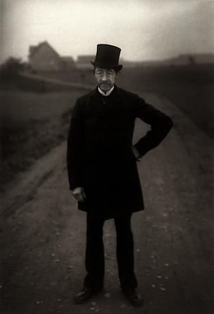 August Sander Farmer on his way to Church, 1925-26 © SK-Stiftung Kultur - August Sander Archiv VG-Bild Kunst, Bonn