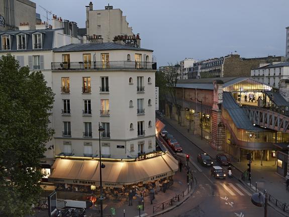 Rue de la Motte Piquet, Paris, 15e, le 16 mai