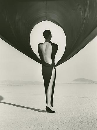 Herb Ritts Christy Turlington - Versace, El Mirage, 1990